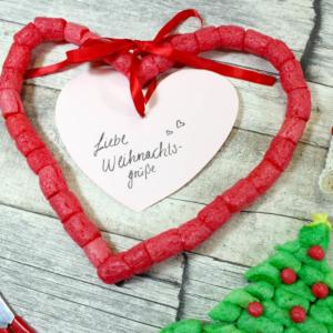 Weihnachtskarte basteln mit PlayMais® für Kinder