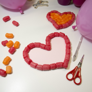 Herzkarten mit PlayMais® basteln